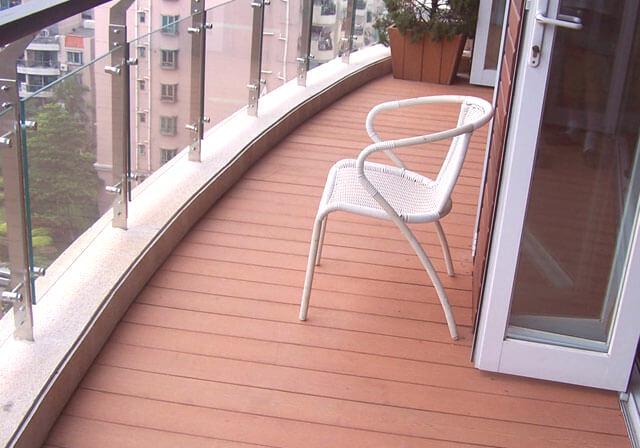 Decking Na Balkonie Wykończenie I Układanie Na Podłodze Na